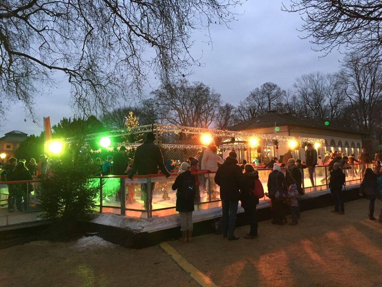 Eislaufbahn von aussen in Bad Homburg bei Frankfurt